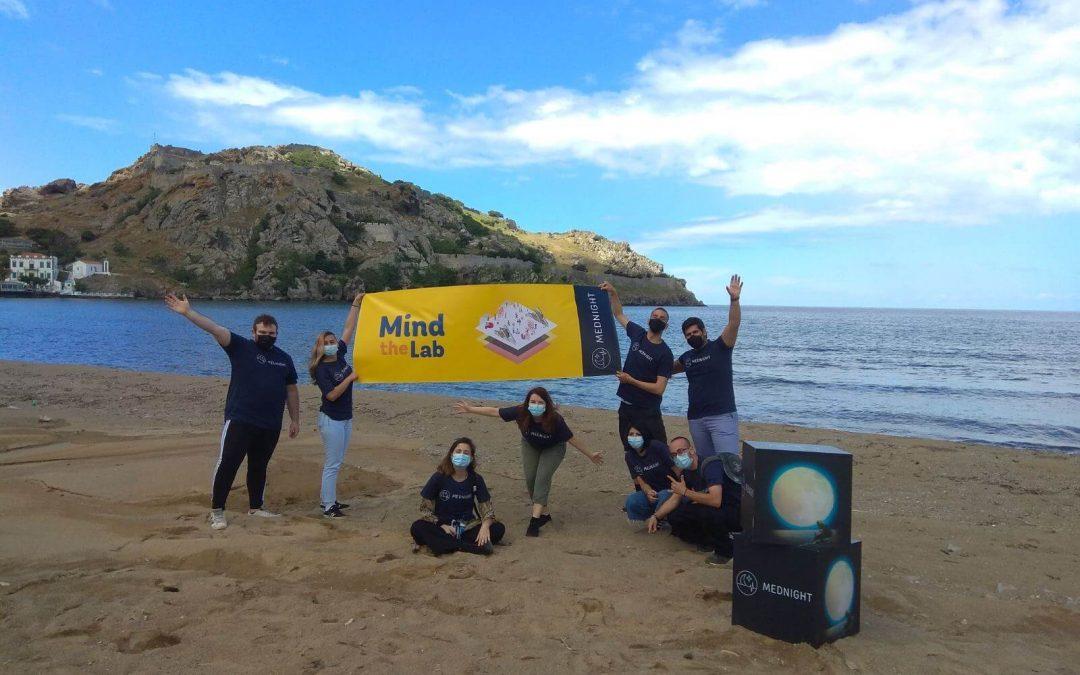 MEDNIGHT porta la ciència a la platja de València amb 'Mind the Lab'